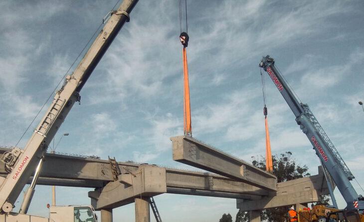 Salomón Grúas en el montaje de puentes