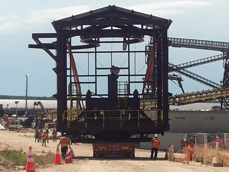 Muelles en puerto de nueva palmira